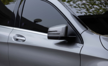 4 Ways in Which Window Tinting Benefit Car Owners